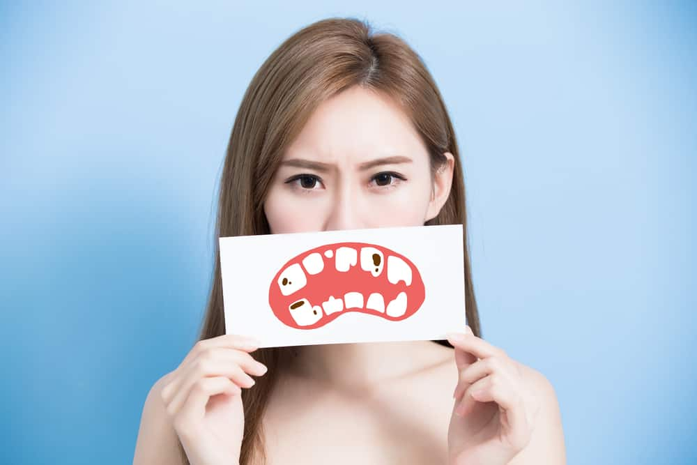 Can I Get Porcelain Veneers If I Have A Cavity?
